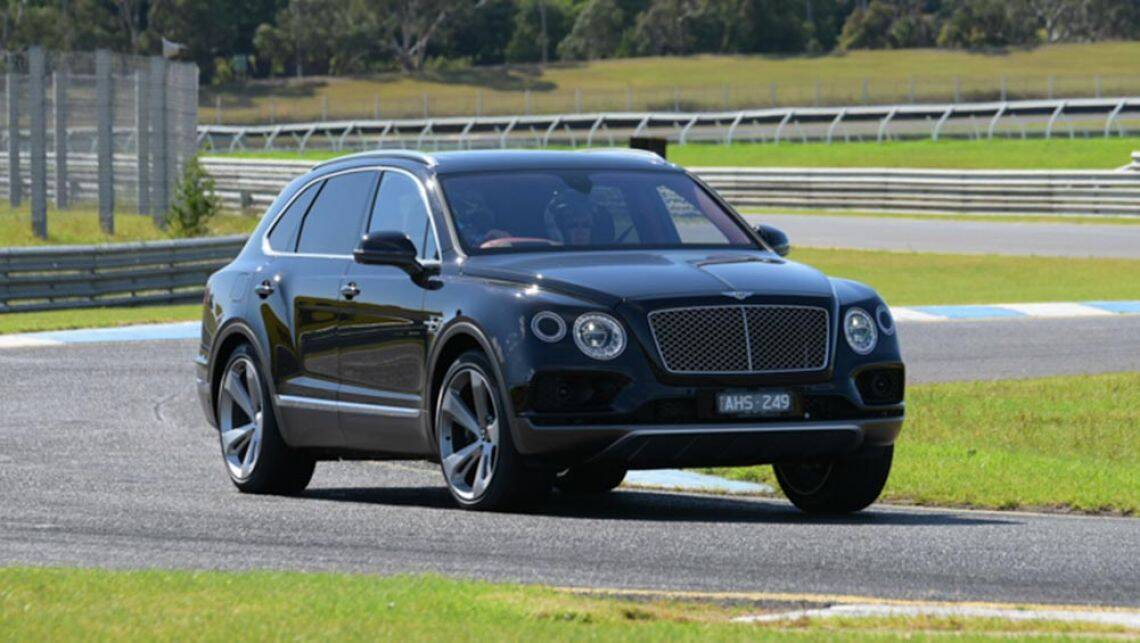 2016 bentley bentayga review quick australian track test carsguide. Black Bedroom Furniture Sets. Home Design Ideas