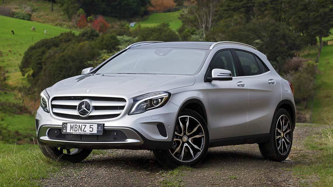 mercedes benz gla review video carsguide. Black Bedroom Furniture Sets. Home Design Ideas