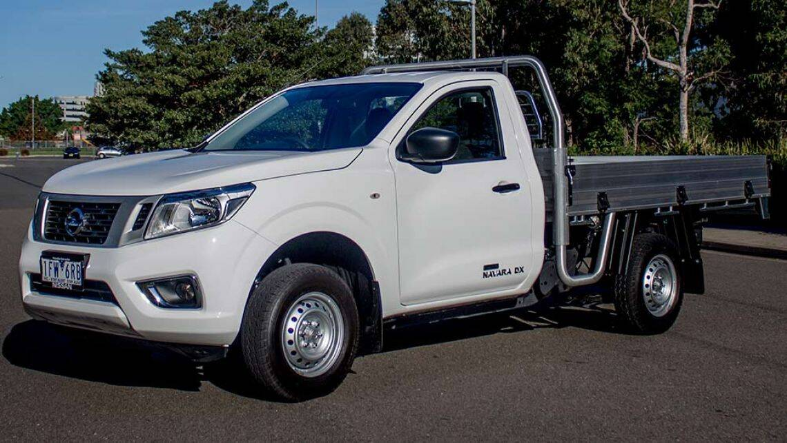 2016 np300 nissan navara single cab dx cab chassis 4x2. Black Bedroom Furniture Sets. Home Design Ideas