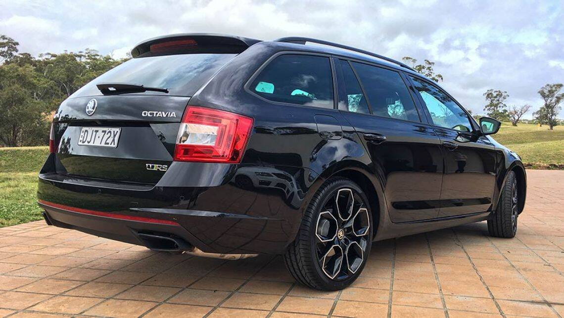 skoda octavia rs 230 wagon 2016 review snapshot carsguide. Black Bedroom Furniture Sets. Home Design Ideas
