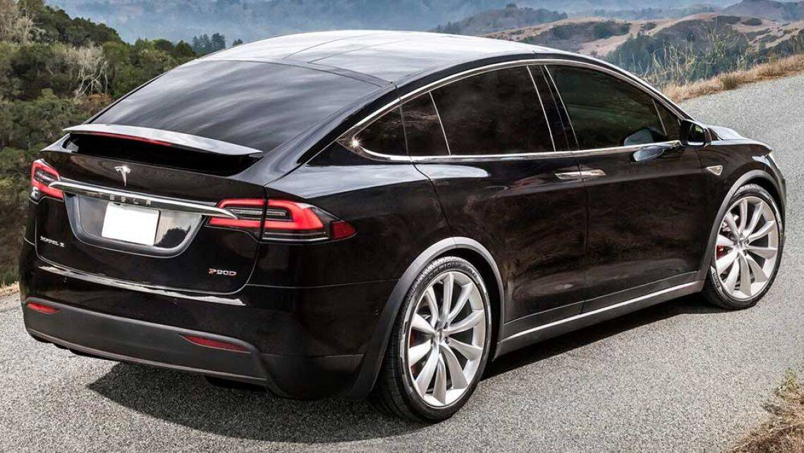 Tesla model x suv will tow 2500kg car news carsguide for Tesla model x porte