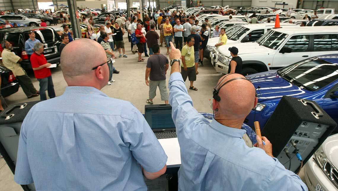 Best tips for buying a car at auction car advice carsguide for Auction advice