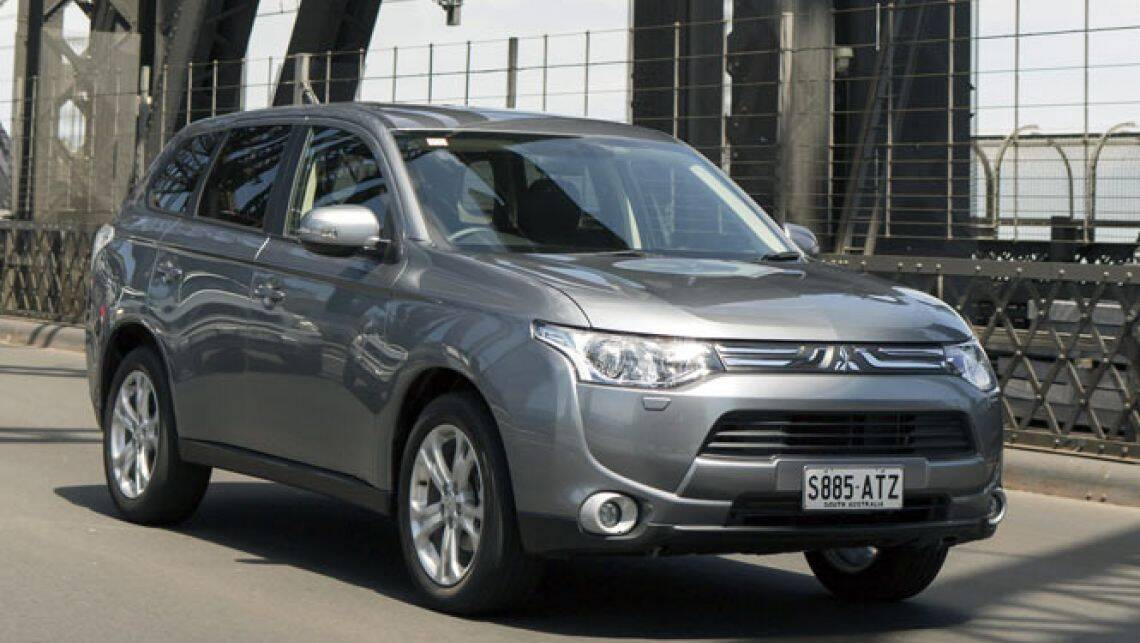 Mitsubishi Outlander review | CarsGuide