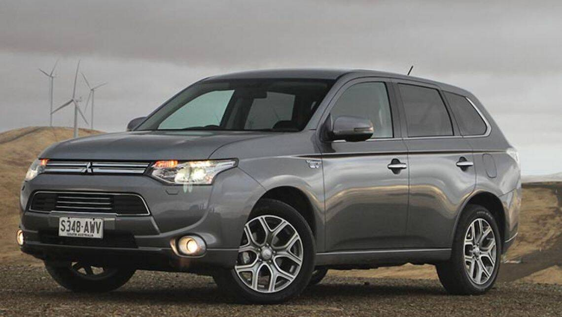 2014 mitsubishi outlander phev review video carsguide. Black Bedroom Furniture Sets. Home Design Ideas
