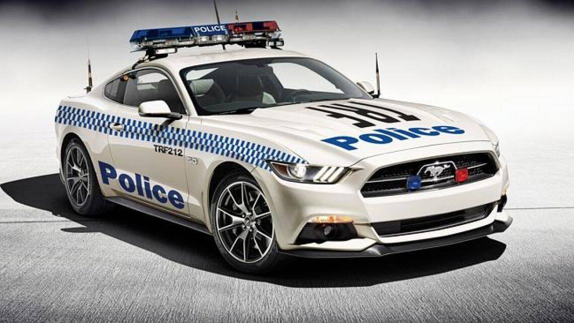 2015 ford mustang tipped for police future car news. Black Bedroom Furniture Sets. Home Design Ideas