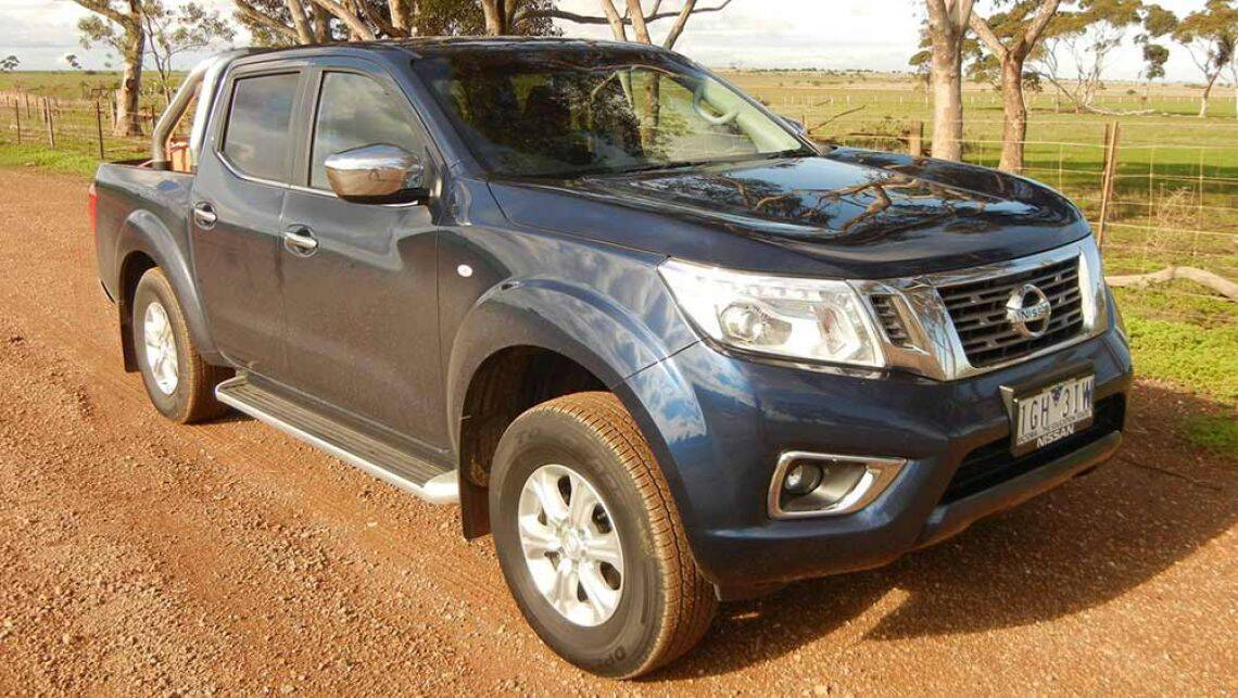 np300 nissan navara dual cab st 4x4 2016 review road test carsguide. Black Bedroom Furniture Sets. Home Design Ideas