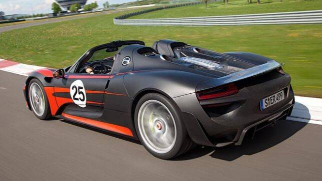 porsche 918 spyder looks race ready car news carsguide. Black Bedroom Furniture Sets. Home Design Ideas